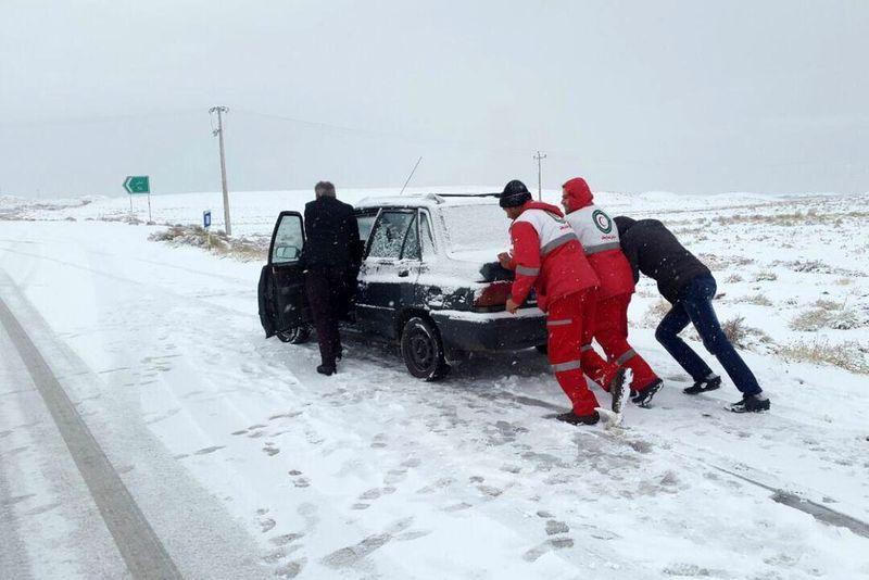 اکثر استان های کشور درگیر برف و کولاک/725 حادثهدیده اسکان اضطراری داده شد