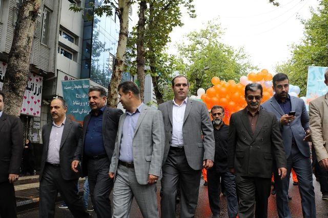 جشنواره تئاتر خیابانی شهروند لاهیجان با حرکت کاروان هنرمندان آغاز شد