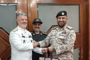 دیدار و رایزنی دریادار خانزادی با فرمانده نیروی دریایی قطر در دوحه