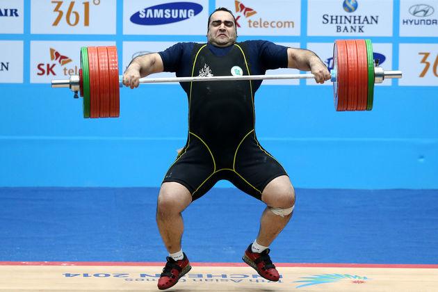 واکنش رئیس کمیته فنی فدراسیون جهانی وزنهبرداری به اتفاقات مسابقات دسته ۱۰۵ + کیلوگرم