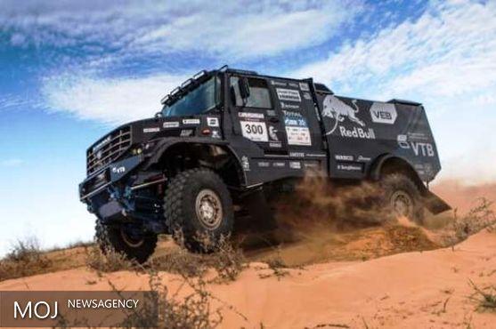 این کامیون برای قهرمانی می آید