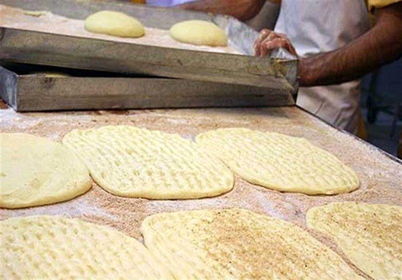 دولت  سالانه ۲۲ هزار میلیارد تومان یارانه آرد و نان پرداخت می کند/کاهش واردات روغن