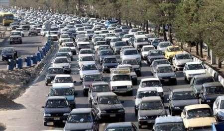 ترافیک درمحور های چالوس - کرج و هراز نیمه سنگین است
