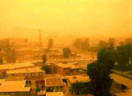 گرد و غبار بخش هایی از استان ایلام را فرا گرفت