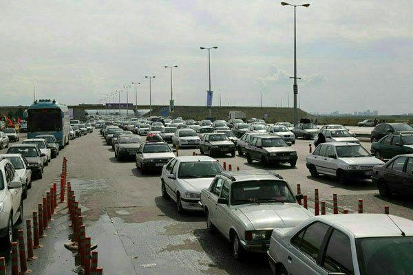 تردد در آزاد راههای زنجان به کندی انجام می گیرد