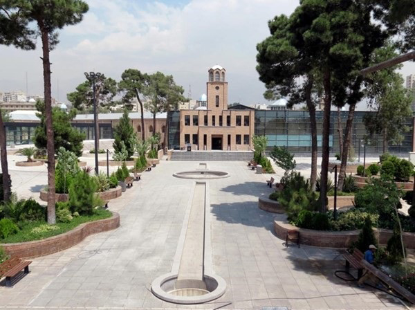 مدیر باغ موزه قصر استعفا داد