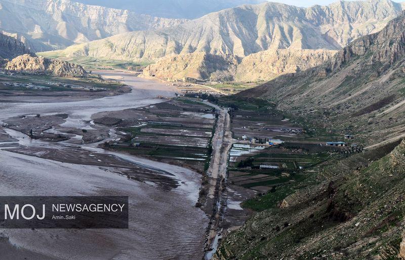 ترمیم محور خرم آباد - پلدختر هزینه بر و زمان بر است/ احداث جاده جدید در حال بررسی است