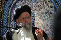 استقرار انقلاب اسلامی وابسته به مساجد است