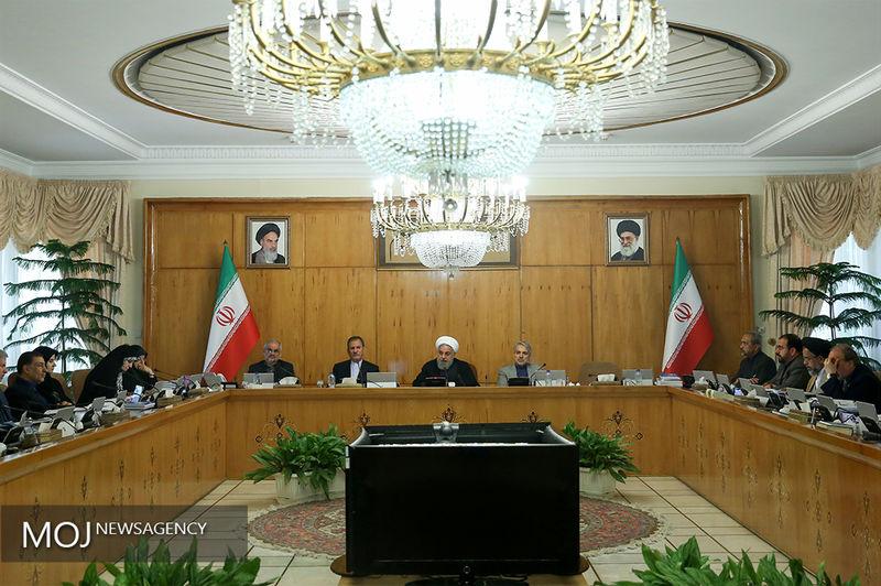 بررسی رویکرد روحانی در معرفی سه وزیر اقتصادی/ تیم اقتصادی اجرایی برای مقابله با بحران