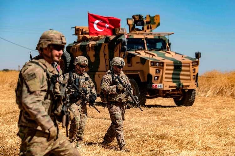 ترکیه به مواضع نظامیان آمریکایی در سوریه حمله کرده است