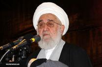 سردار سلیمانی از حریم اسلام دفاع میکند/امام(ره) در مقابل فحشا و منکر قیام کرد