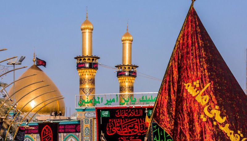شستوشوی گنبد حرم مطهر حضرت عباس (ع) توسط خادمان