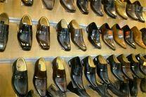 فروش ۵۰۰ هزار تومانی کفشهای ۳۰ دلاری قاچاق در تهران