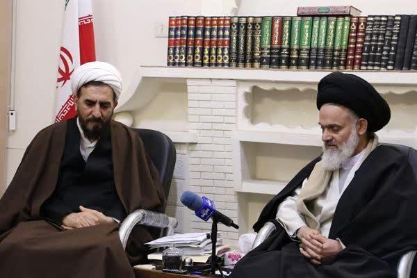 رئیس کل دادگستری قم با آیت الله حسینی بوشهری دیدار و گفتوگو کرد