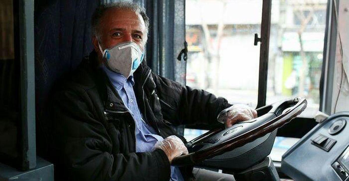 توزیع ۲۰ هزار عدد ماسک میان رانندگان اتوبوسرانی در آستانه موج چهارم کرونا
