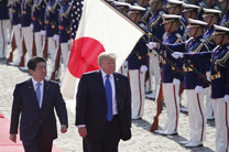 رایزنی دونالد ترامپ و شینزو آبه در مورد حادثه خلیج عمان
