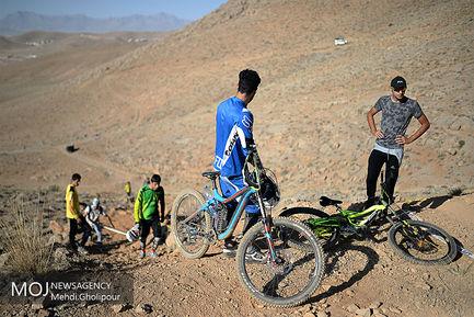 مسابقات دوچرخه سواری دانهیل آقایان قهرمانی کشور