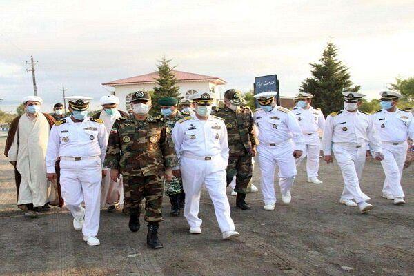 بازدید فرمانده کل ارتش از پایگاه دریایی غرب خزر در آستارا