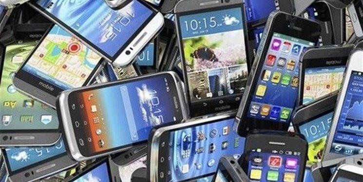 کشف محموله میلیاردی گوشی تلفن همراه قاچاق در سمیرم