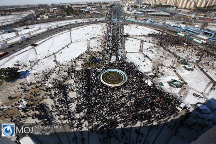 جشن چهل و یکمین سال انقلاب از فراز برج آزادی