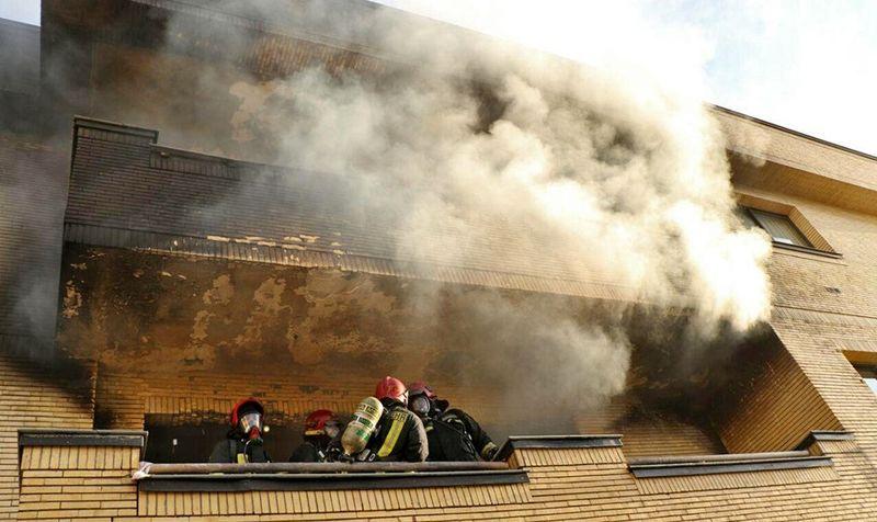آتش سوزی عمدی ساختمانی در بندرعباس