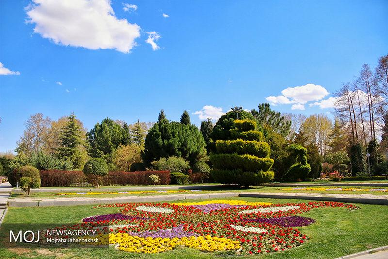 نمایشگاه روز ملی گل در باغ گل های  اصفهان برپا می شود