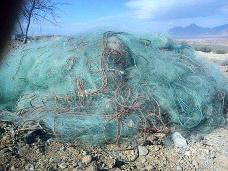 جمع آوری بیش از ۱۰۰۰ متر دام ماهیگیری از دریاچه سد زاینده رود