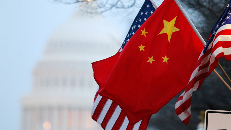 ترامپ اعمال تعرفه به برخی کالاهای چینی را به تعویق انداخت