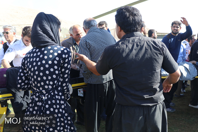 همکاری ارتش، سپاه و هلال احمر در توزیع اقلام کمکی به زلزله زدگان