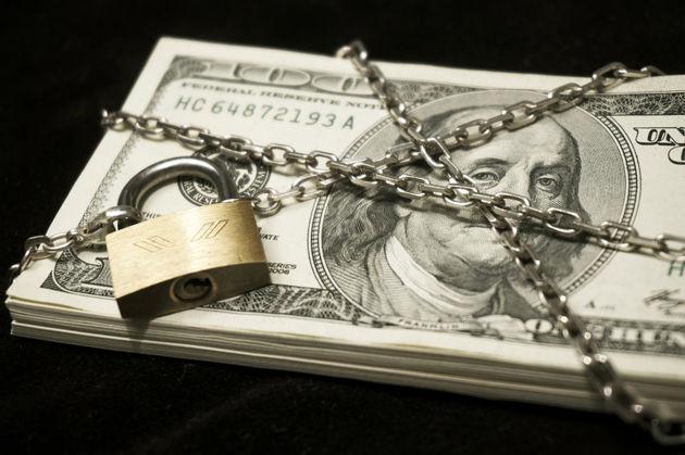 قیمت ارز در بازار آزاد 14 مرداد اعلام شد/ قیمت دلار به 9507 تومان رسید
