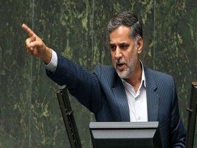 انتقاد یک نماینده مجلس از علی لاریجانی
