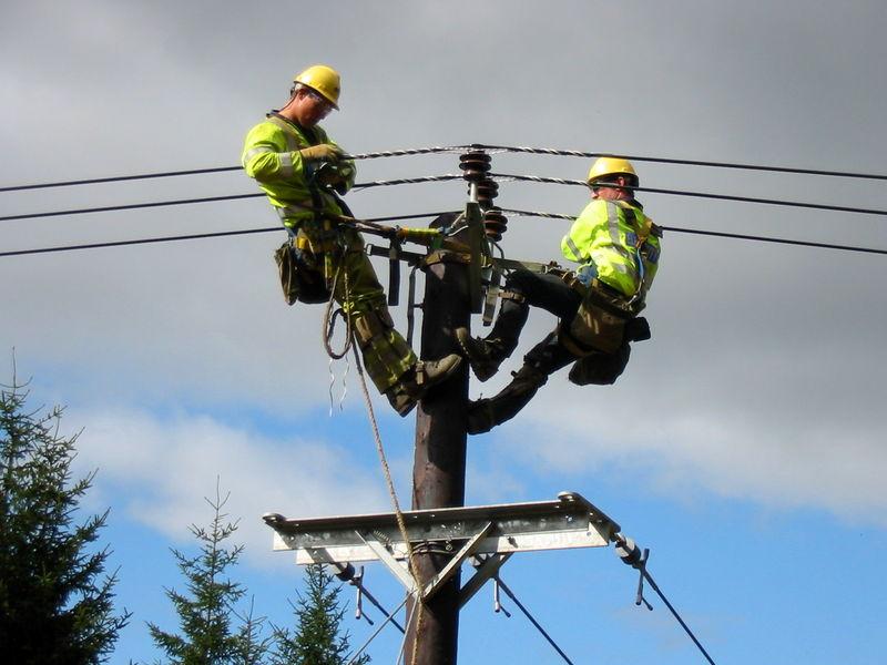 ۴ تا ۵ هزار واحد آماده تحویل است که نیازمند اتصال شبکه برق است