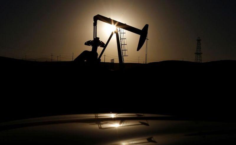 بهای معاملات نفت ۰.۸ درصد افزایش یافت/ قیمت نفت در آستانه مرز 60 دلار