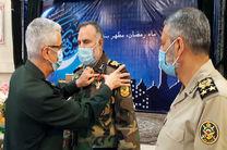 نشان درجه یک فتح نیروهای مسلح به امیر کیومرث حیدری اعطا شد