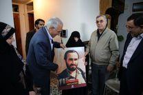حاج حسین خرازی الگوی بسیار شایسته ای بود