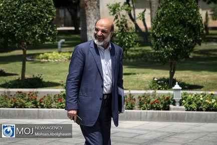 حاشیه جلسه هیات دولت - ۵ تیر ۱۳۹۸ / عبدالعلی علی عسگری رییس سازمان صدا وسیما
