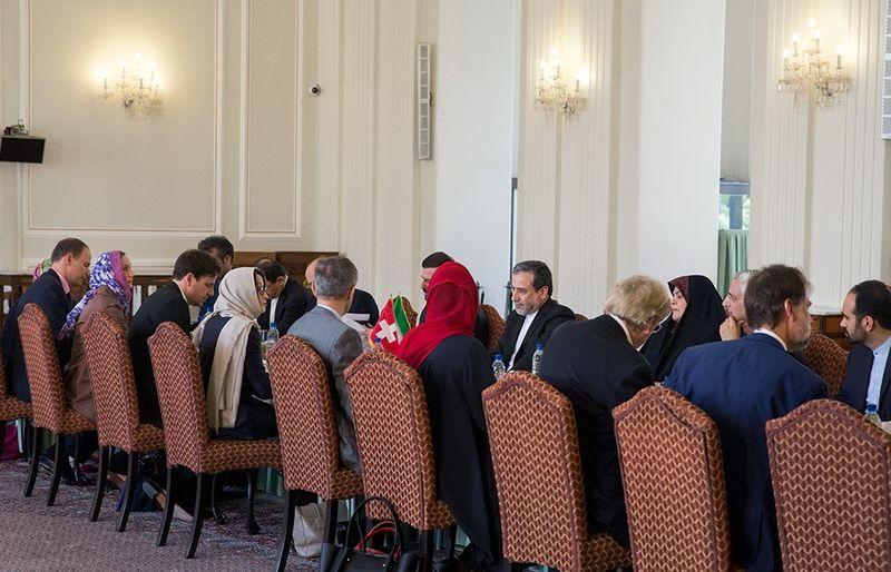 برگزاری سومین دور گفتگوهای سیاسی ایران و سوئیس در وزارت خارجه