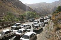 ترافیک نیمه سنگین در محور هراز/ بارش باران در ۴ جاده تهران-شمال