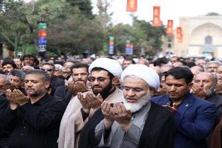 نماز باشکوه ظهر عاشورا در قزوین برگزار شد