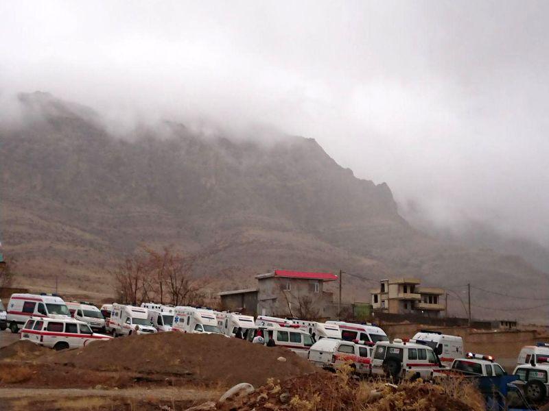 تشکیل ستاد بحران در دناکوه/ حضور اهالی بویراحمد در جلوی بخشداری