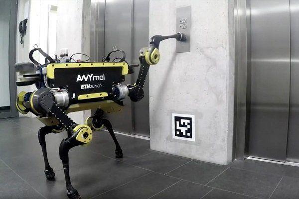تولید رباتی که که به تنهایی سوار آسانسور می شود