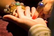 دستگیری زن دعانویس و رمال در اصفهان / کلاهبرداری 70 میلیون ریالی