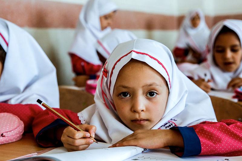 استان تهران یکی  از سه استان فقیر آموزشی کشور است
