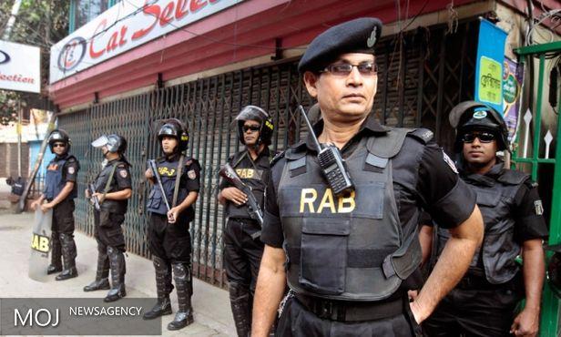 عملیات تعقیب و گریز در بنگلادش ادامه دارد / بازداشت هشت هزار نفر توسط پلیس