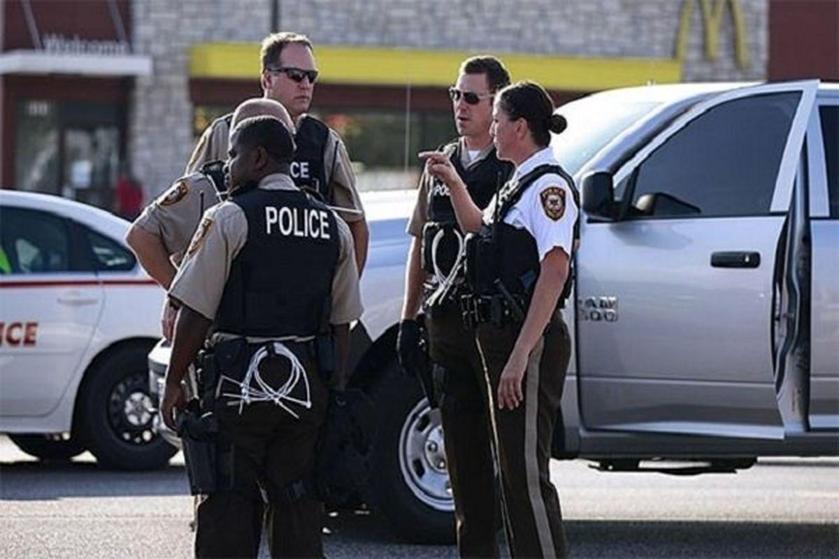 ۱۲ مامور پلیس آمریکا به اتهام قتل مهاجران بازداشت شدند