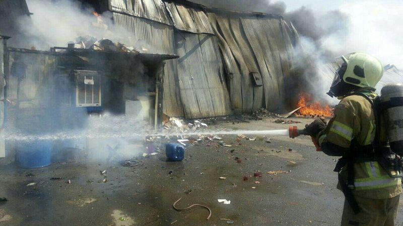 آتش سوزی انبار کالا در خیابان فدائیان اسلام