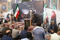 انقلاب اسلامی اقتدار قدرت های سلطه گر را شکسته است