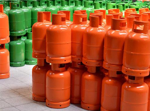 سیلندر گاز خانگی در تمامی نقاط استان به قیمت مصوب 6900 تومان است