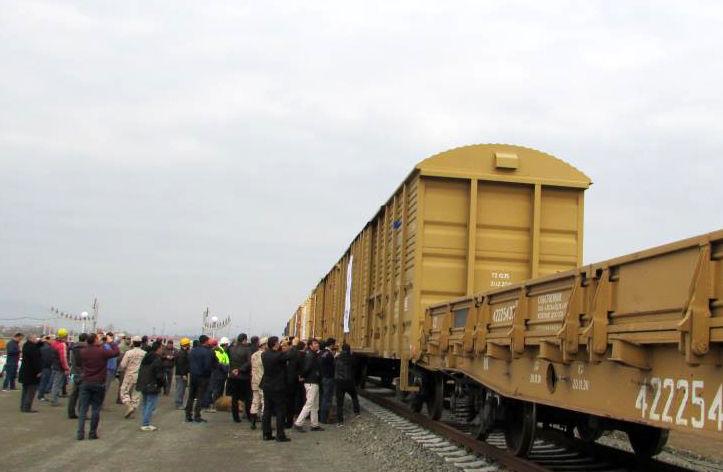 ورود آزمایشی نخستین قطار باری از مقصد سنپطرزبورگ روسیه به آستارا