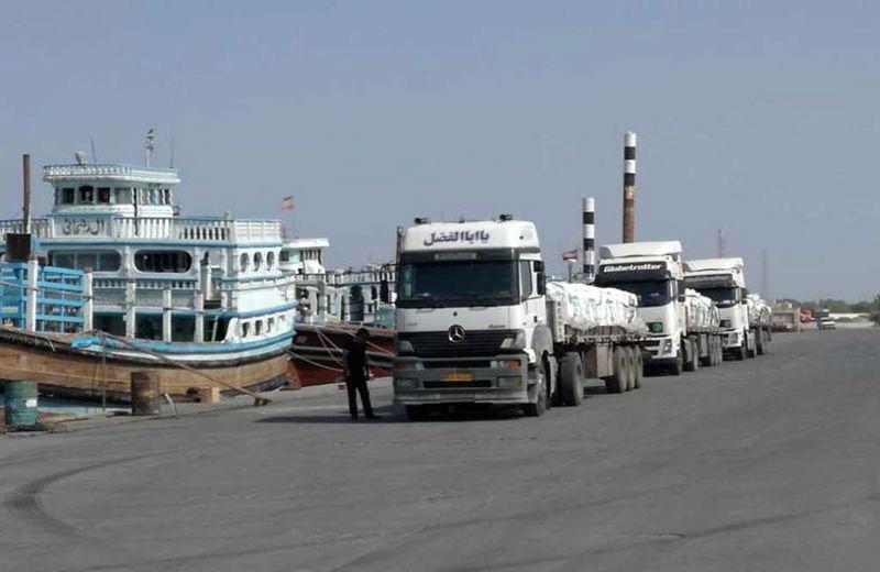 رونق صادرات و واردات کالا در بندر جاسک